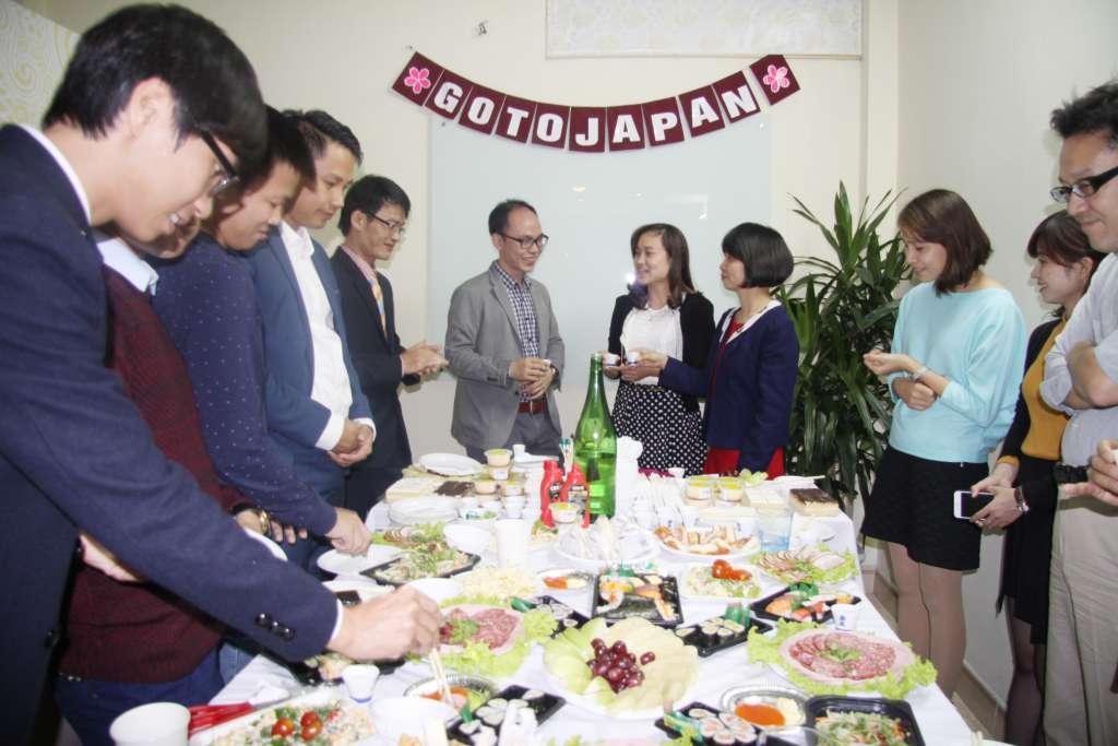 Bữa tiệc khai trương