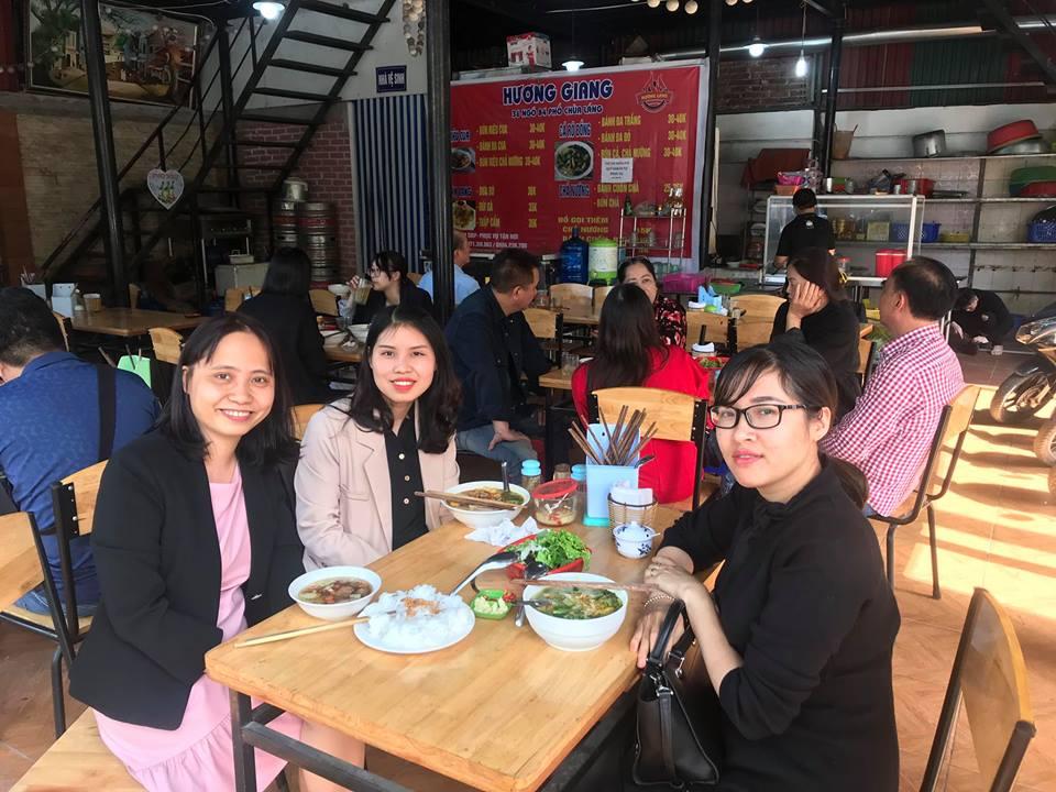Senpai Ngọc cùng các thành viên của GoToJapan