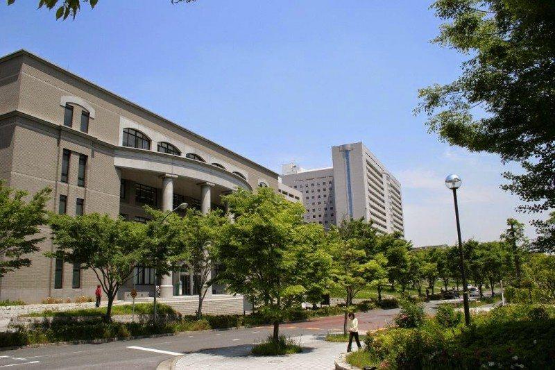 Đại học Osaka một trong những trường đại học xuất sắc nhất Nhật Bản