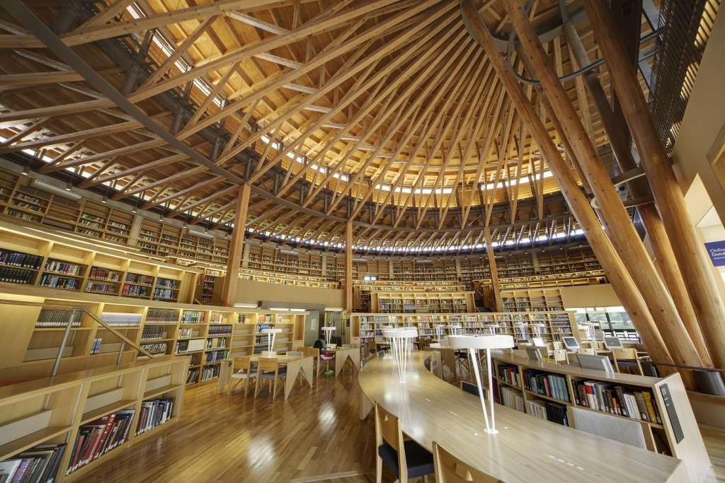Akita library_indoorview